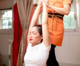 atipa_back_stretching